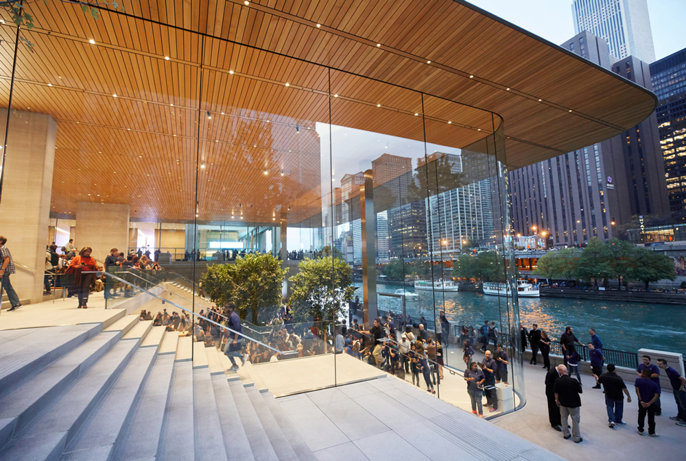 apple-michigan-ave-waterfront-retail-exterior-windows-steps-1000