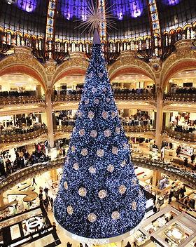 galeries-lafayette-paris-christmas-tree.