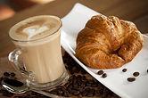 Cafe y Croissant 3.jpg
