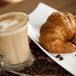 Cafe y Croissant 3.jpg