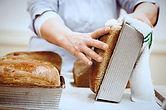 Horneando pan.jpg