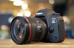 Canon5DIV_hero3_4000