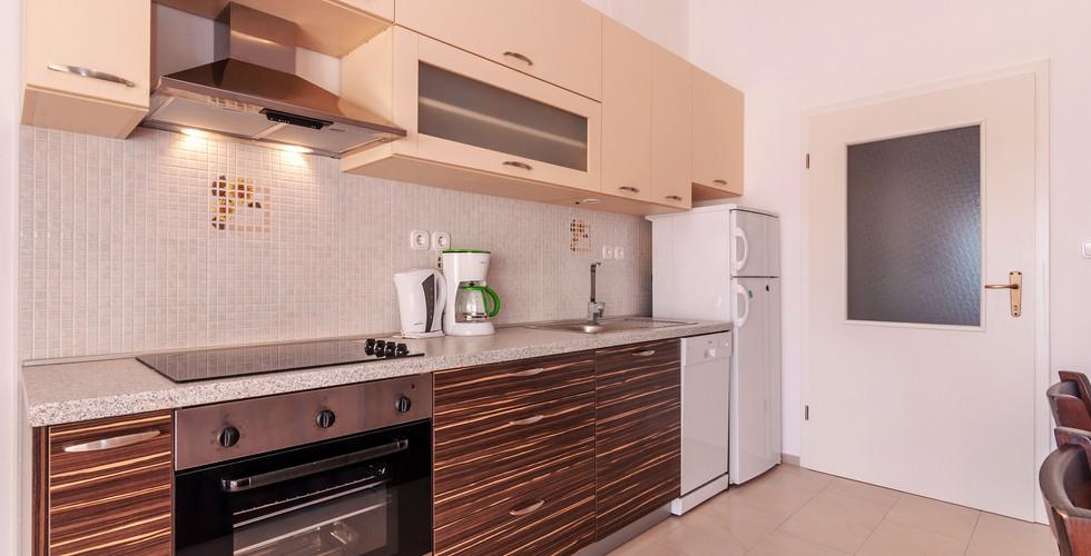 kuhinja 1 smokva.jpg
