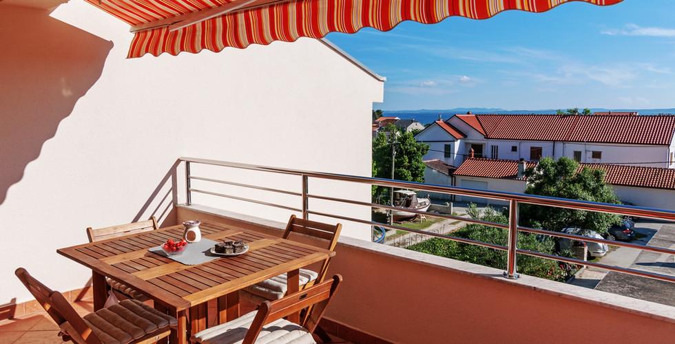 balkon 1 smokva.jpg