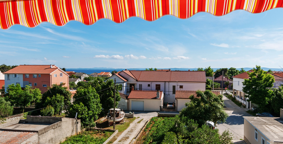 balkon pogled maslina.jpg