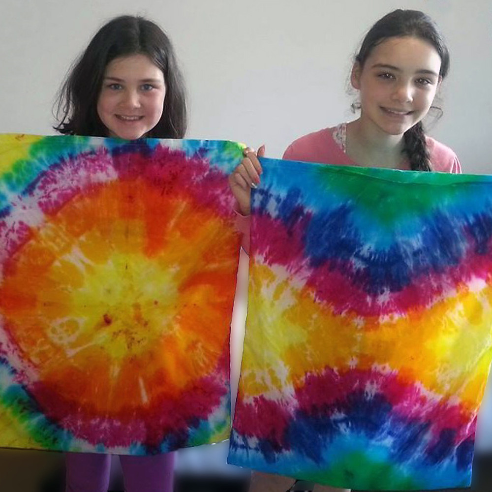 Tie Dyeing pillow cases, it's so much fun