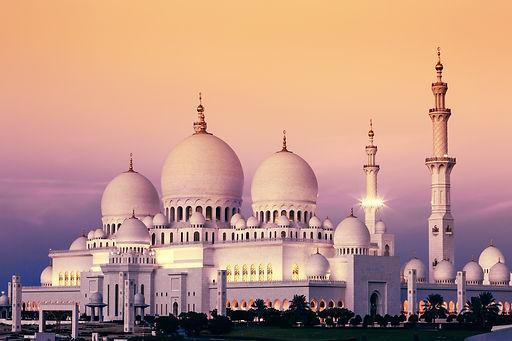 Abu Dhabi Sheikh Zayed Mosque at sunset,