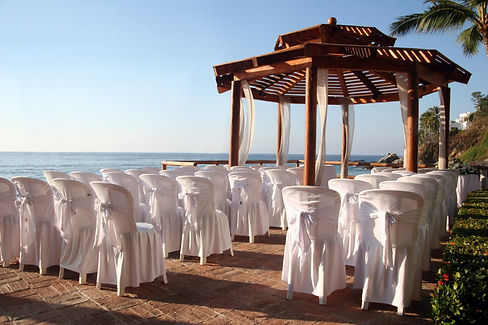 Tropical settings for a wedding on a bea