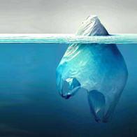 Bolsa de plástico como un iceberg