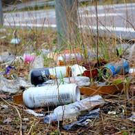 Basura arrojada al medio ambiente