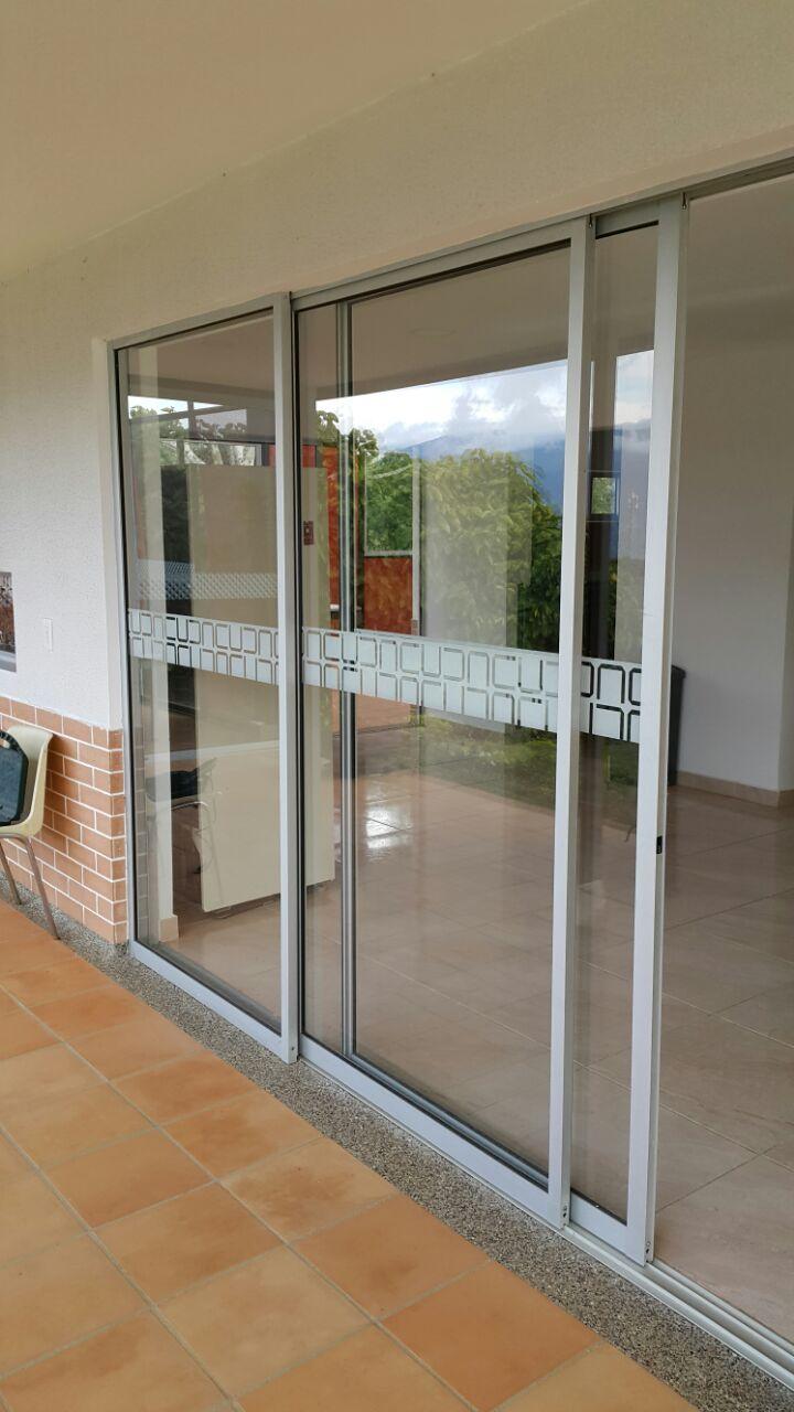 Puerta vidrieras de seguridad