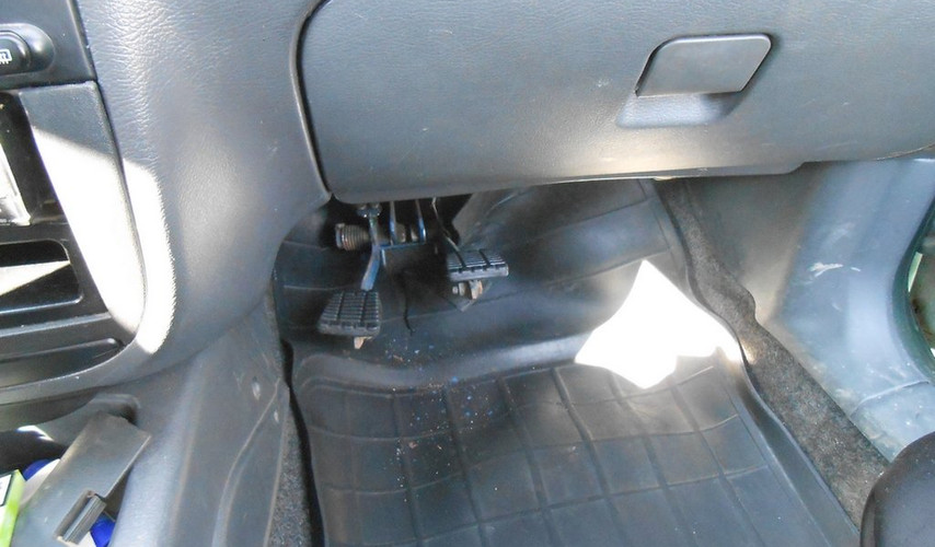 Chevrolet Lanos Педали.jpg