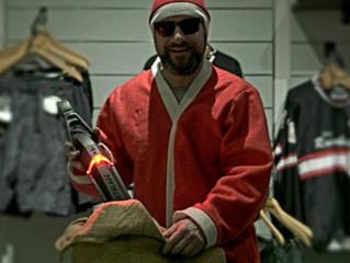 Was steckt der Weihnachtsmann in seinen Sack !