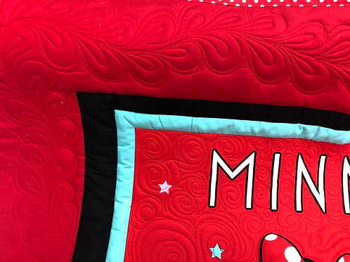 Minnie Mouse throw quilt