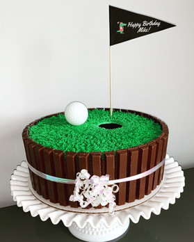 Hole-in-one golf cake