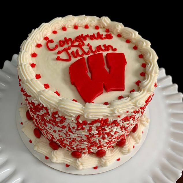 University of Wisconsin college commit cake
