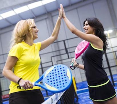 portrait-handshake-paddle-tennis-players