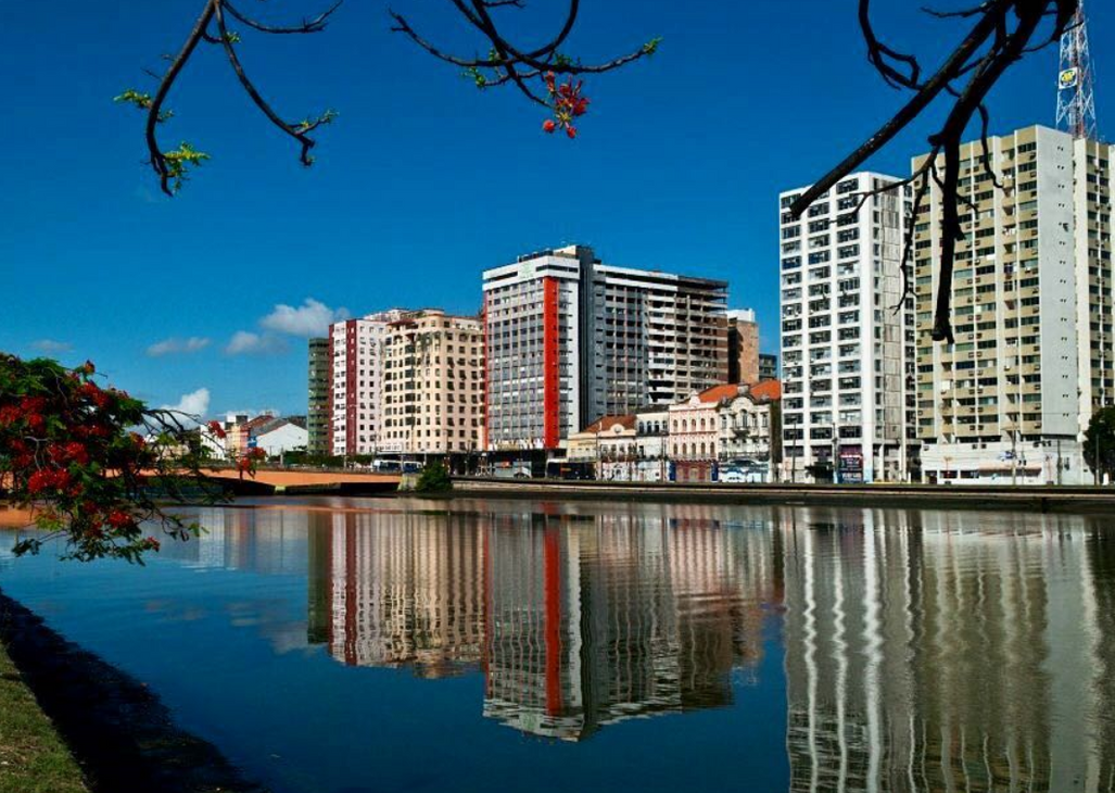 Capibaribe river view from Rua do Sol