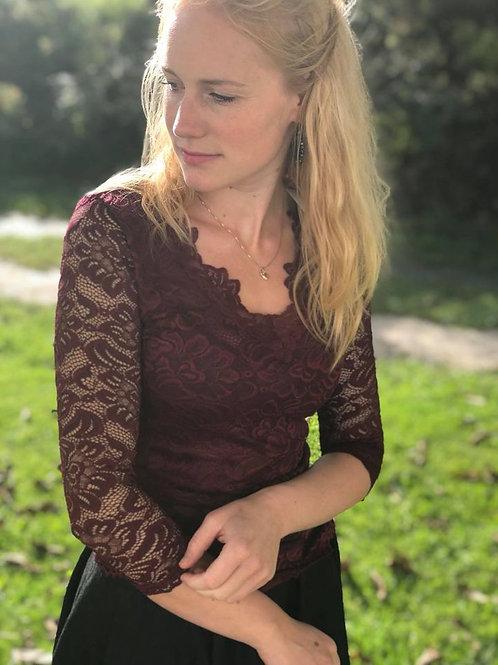 """Spitzenshirt  Helena V-Ausschnitt  """"bordeaux"""""""