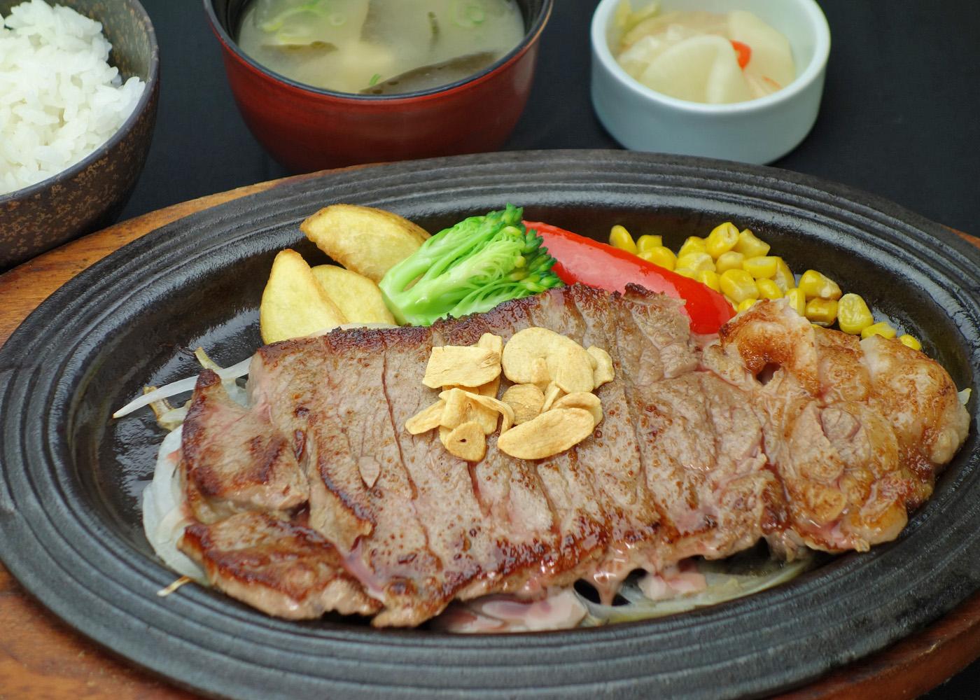 アンガス牛ステーキ 2,000円(税別)