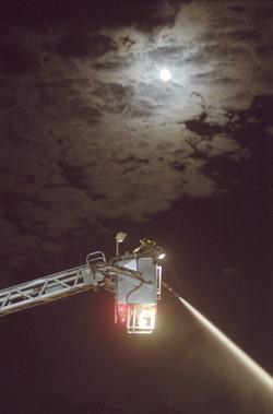 Bajo la luna.jpg