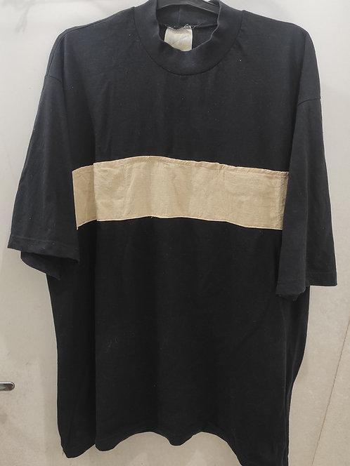 Camiseta preta Basic lista