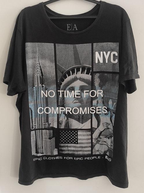 Camiseta E A
