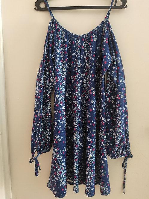 Vestido open shoulder azul florido