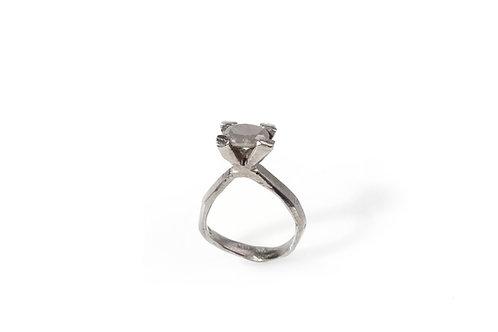 Diamond ring by Platina Studio