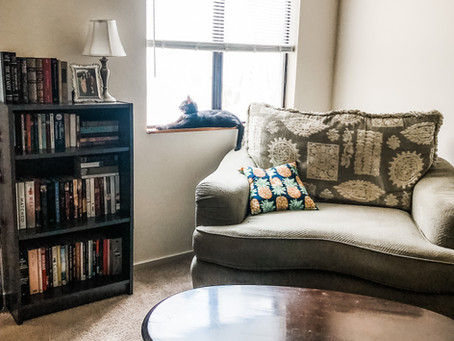 How to Furnish and Decorate Your Home on a Budget