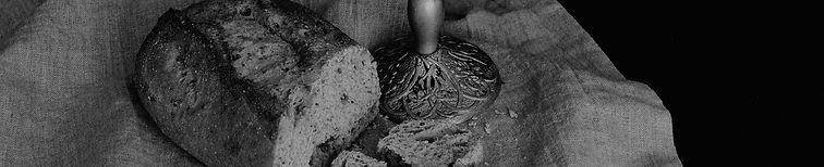 bread-3935952_1920_edited.jpg