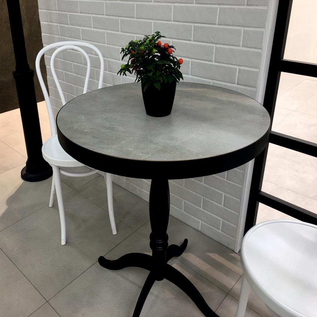 Керамический стол для кафе