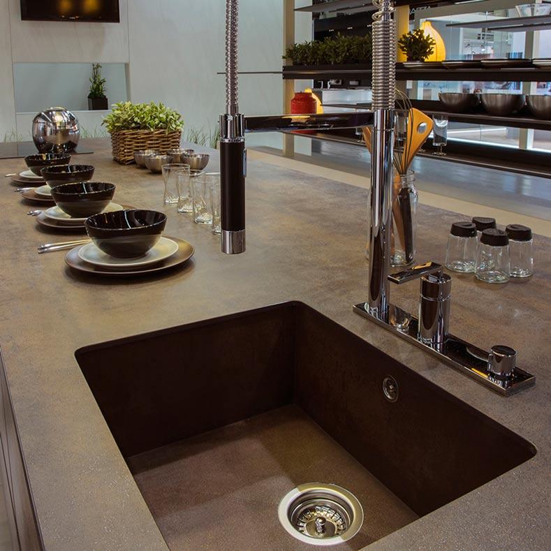 Кухня с интегрированной мойкой