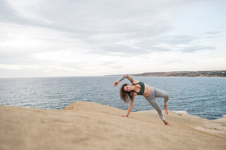 hanna_yoga-24.jpg