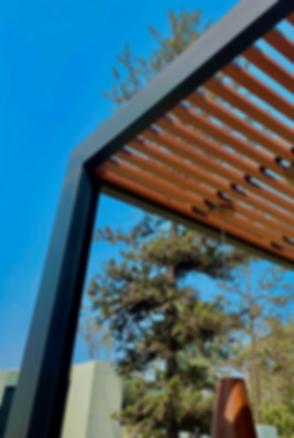 Aluminio tacto madera sol y sombra
