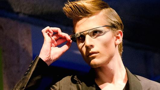 https://www.cnbc.com/2017/11/08/apple-smart-glasses-and-ros-software-why-we-should-be-excited.html