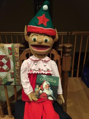 Selfies with Elfies - Dec. 9, 2018