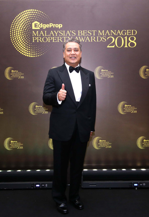 REHDA Malaysia president Datuk Seri FD Iskandar giving a thumbs up