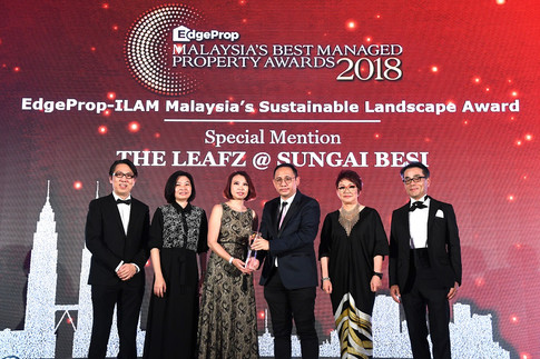 EdgeProp – ILAM Malaysia's Sustainable Landscape Awards 2018 special mention winner: (From left) Nippon Paint Malaysia general manager of sales Tay Sze Tuck, EdgeProp.my executive editor Sharon Kam, EXSIM Group head of corporate communications Michelle Siew, Hoda Design Sdn Bhd principal/landscape architect Ho Peng Ming, EdgeProp.my managing director and editor-in-chief Au Foong Yee and Panasonic Malaysia deputy managing director Hiroyuki Muto.