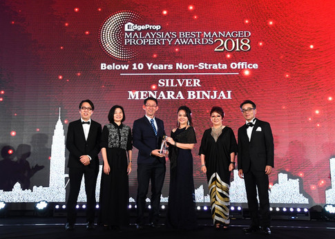 EdgeProp Malaysia's Best Managed Property Awards - Below 10 years Non-Strata Office Category Silver winner and the only winner of this category: (From left) Nippon Paint Malaysia general manager of sales Tay Sze Tuck, EdgeProp.my executive editor Sharon Kam, Khor Joo Saik Sdn Bhd general manager David Hong, Knight Frank Malaysia Sdn Bhd executive director Natalie Leong, EdgeProp.my managing director and editor-in-chief Au Foong Yee and Panasonic Malaysia deputy managing director Hiroyuki Muto.