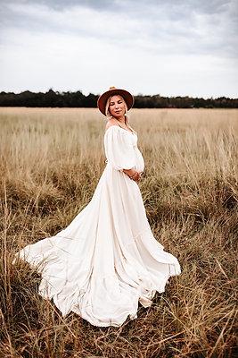 Full Skirt w/ Long Ruffle in Ivory