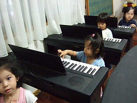 リトミック ピアノ