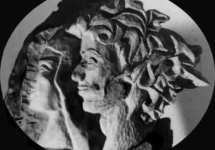 Jeune medecine, bois orme, colpri 1965.J