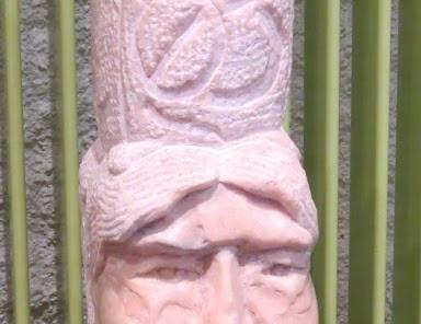 Bigoudène, marbre rose du Portugal.JPG