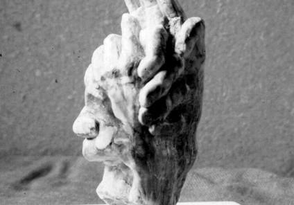 Chaîne d'amitié, marbre de Payolle, viol