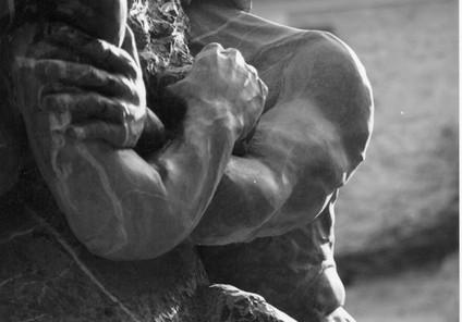 Gaïa, marbre noir de Marquina, Espagne,