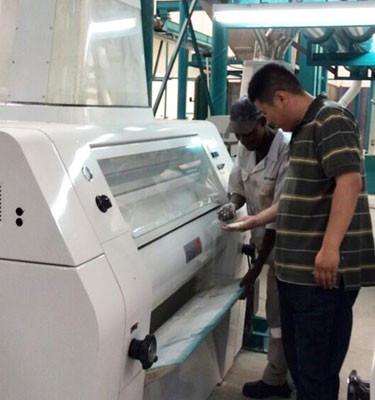 Des machines de moulin à maïs de 240 tonnes fonctionnent en Zambie