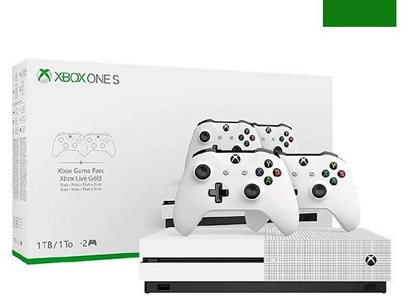 XBOX ONE S 1TB + 2 CONTROLES