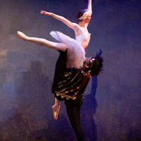 Odette and Rothbart Act 4 lift.jpg