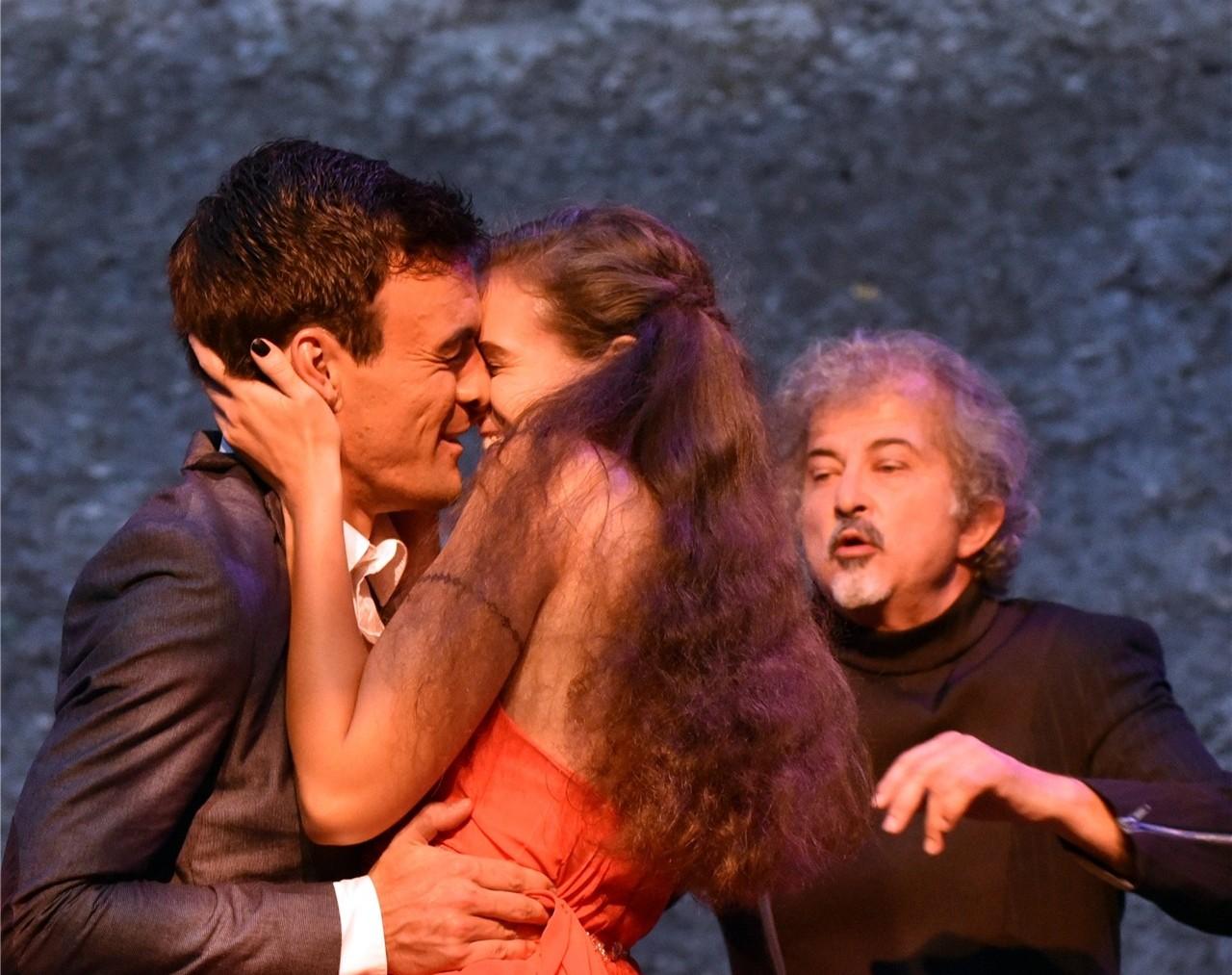 Romeo und Julia bei Pater Lorenzo
